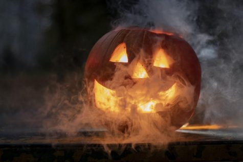 With Covid-19 limiting what can be done during Halloween, here are all of the safe events and activities that are going on in Florida for Halloween during 2020