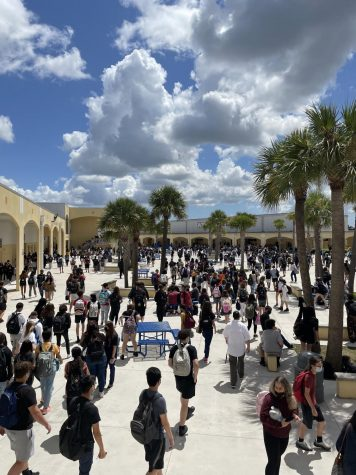 Students released at West Boca Raton High School courtyard during lunch time